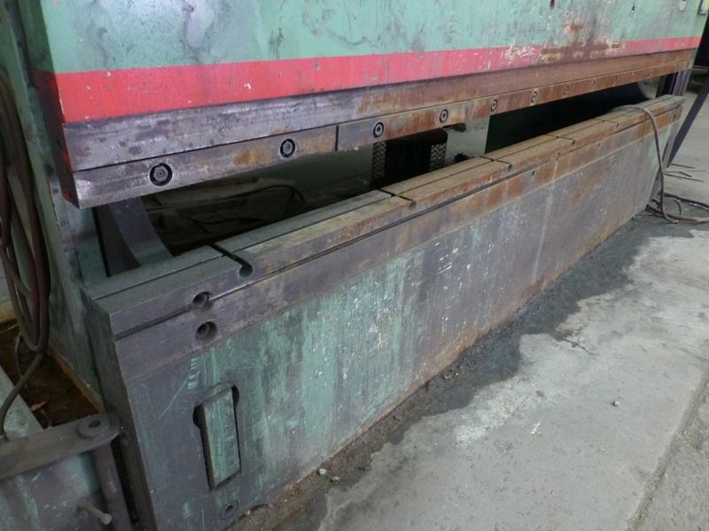 "Cincinnati 350-Ton x 12' Hydraulic Press Brake | Model 350 CBII; 14' LOA - 12' 6"" Between - Image 5 of 17"