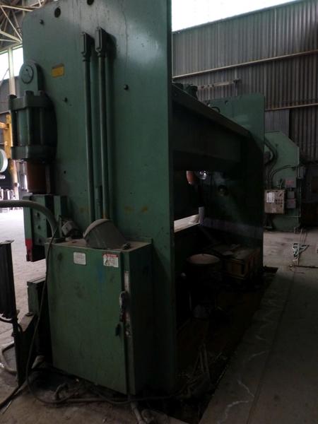 "Cincinnati 350-Ton x 12' Hydraulic Press Brake | Model 350 CBII; 14' LOA - 12' 6"" Between - Image 3 of 17"