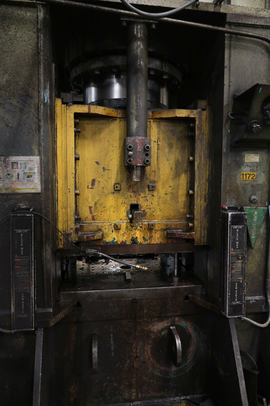"1979 Erie Straight Side Hydraulic Press | 1,000-Ton x 42"" x 42"", Mdl: #1000, S/N: 29-1369 - 8373P - Image 4 of 9"