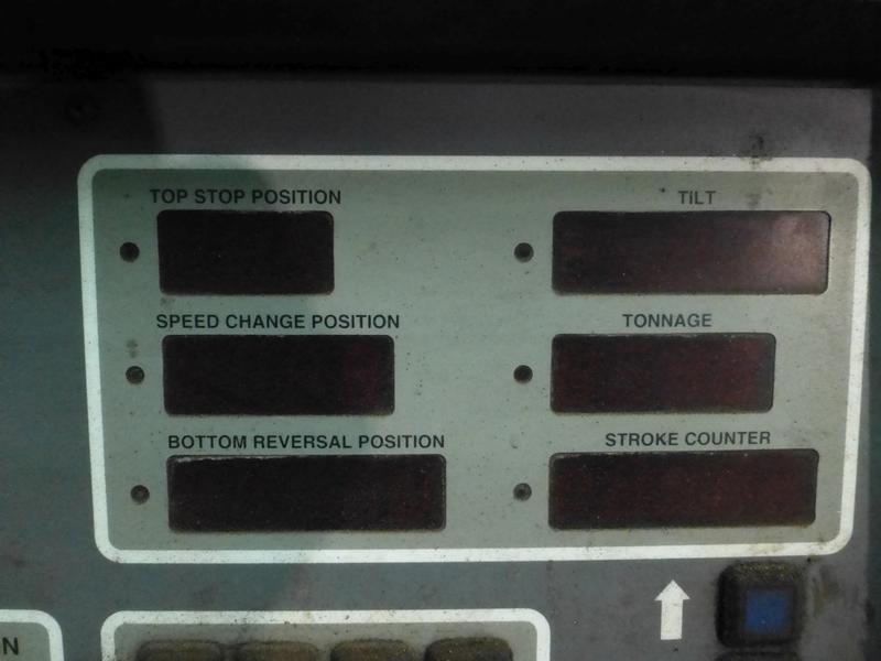 "Cincinnati 350-Ton x 12' Hydraulic Press Brake | Model 350 CBII; 14' LOA - 12' 6"" Between - Image 11 of 17"
