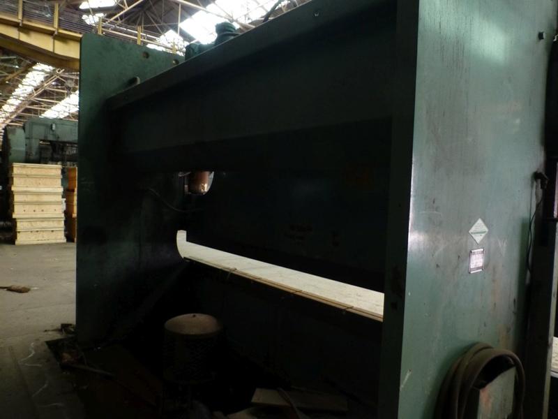"Cincinnati 350-Ton x 12' Hydraulic Press Brake | Model 350 CBII; 14' LOA - 12' 6"" Between - Image 4 of 17"