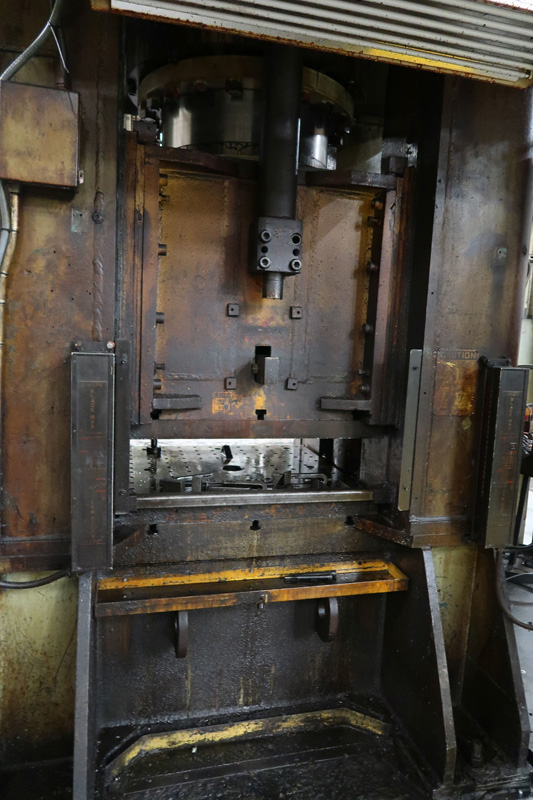 "1979 Erie Straight Side Hydraulic Press | 1,000-Ton x 42"" x 42"", Mdl: #1000, S/N: 29-1369 - 8373P - Image 7 of 9"
