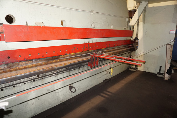 Cincinnati Hydraulic Press Brake | 500 Ton x 20', Mdl: 500H, S/N: 37853 - 8276P - Image 6 of 12