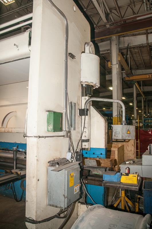 Cincinnati CNC Hydraulic Press Brake | 600 Ton x 30', Mdl: 600H x 26, S/N: 37720 - 8047P - Image 4 of 12