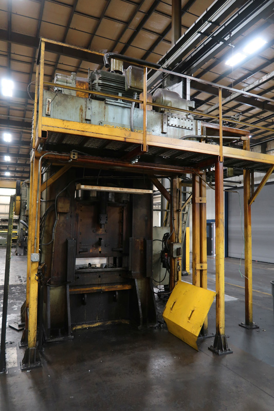 "1979 Erie Straight Side Hydraulic Press | 1,000-Ton x 42"" x 42"", Mdl: #1000, S/N: 29-1369 - 8373P - Image 6 of 9"