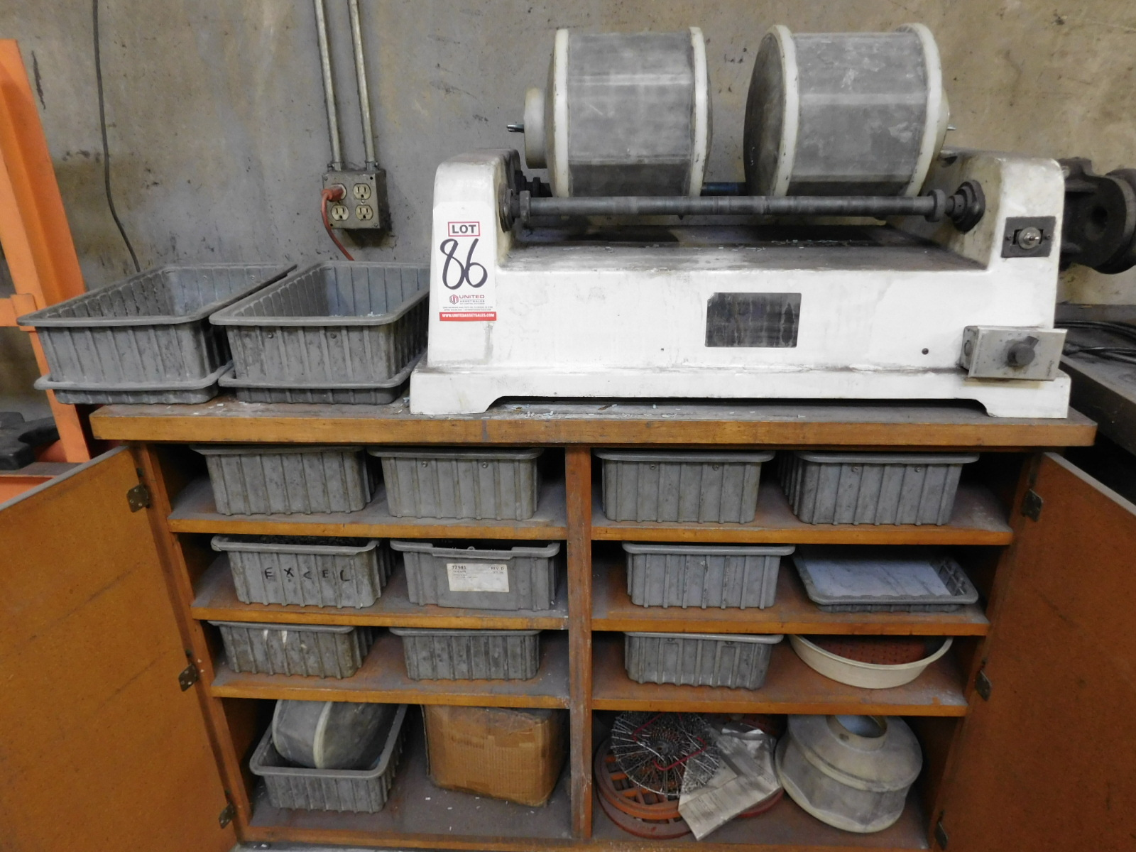 LOT - DUAL DRUM ROTARY MEDIA TUMBLER W/ TIMER, COMES W/ EXTRA DRUMS AND ALL MEDIA IN CABINET