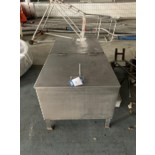 Lot 359 - Stainless steel connection in stainless steel