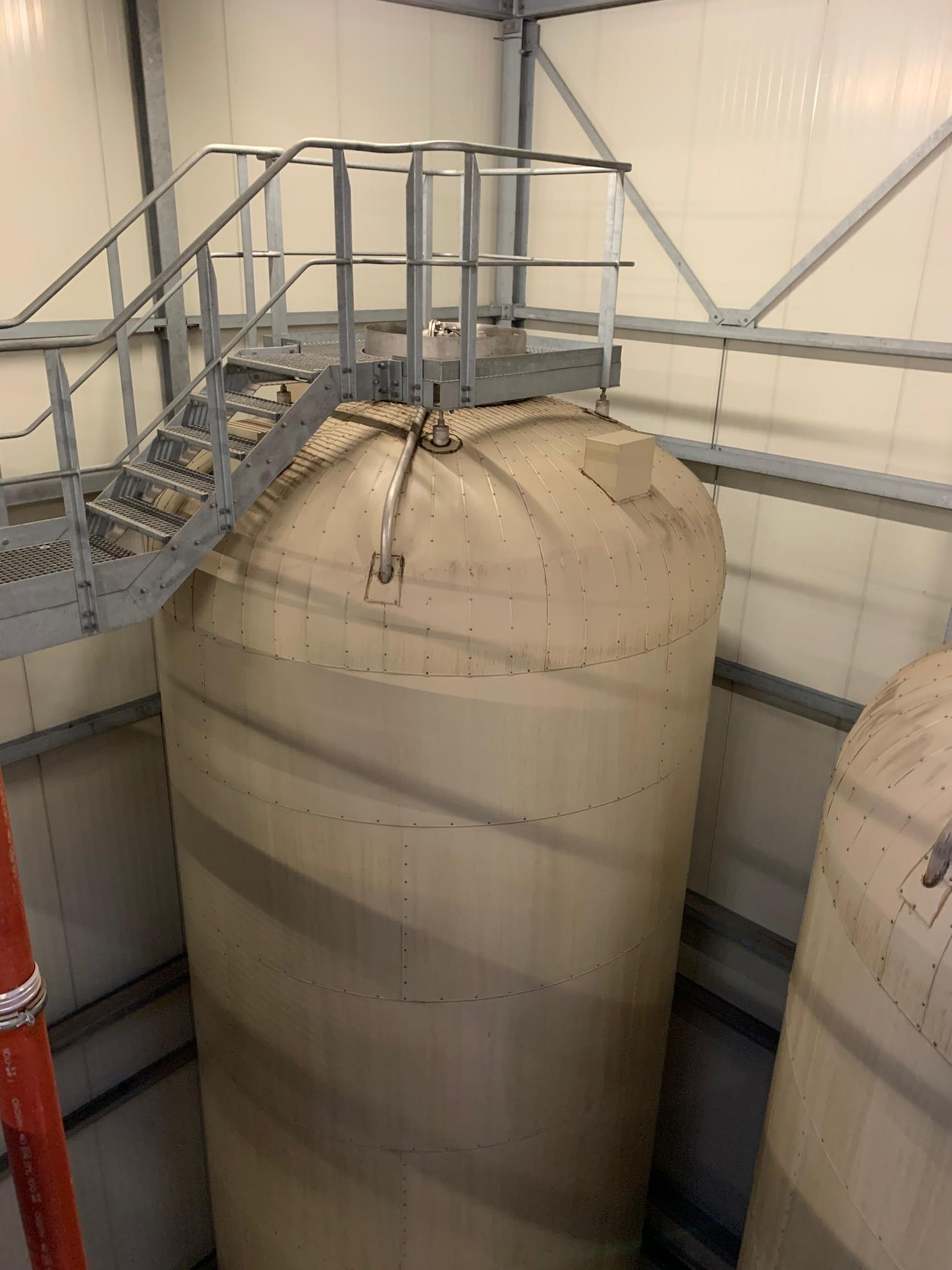 Lot 348A - Holvrieka vertical tank, Total capacity 33597 gall