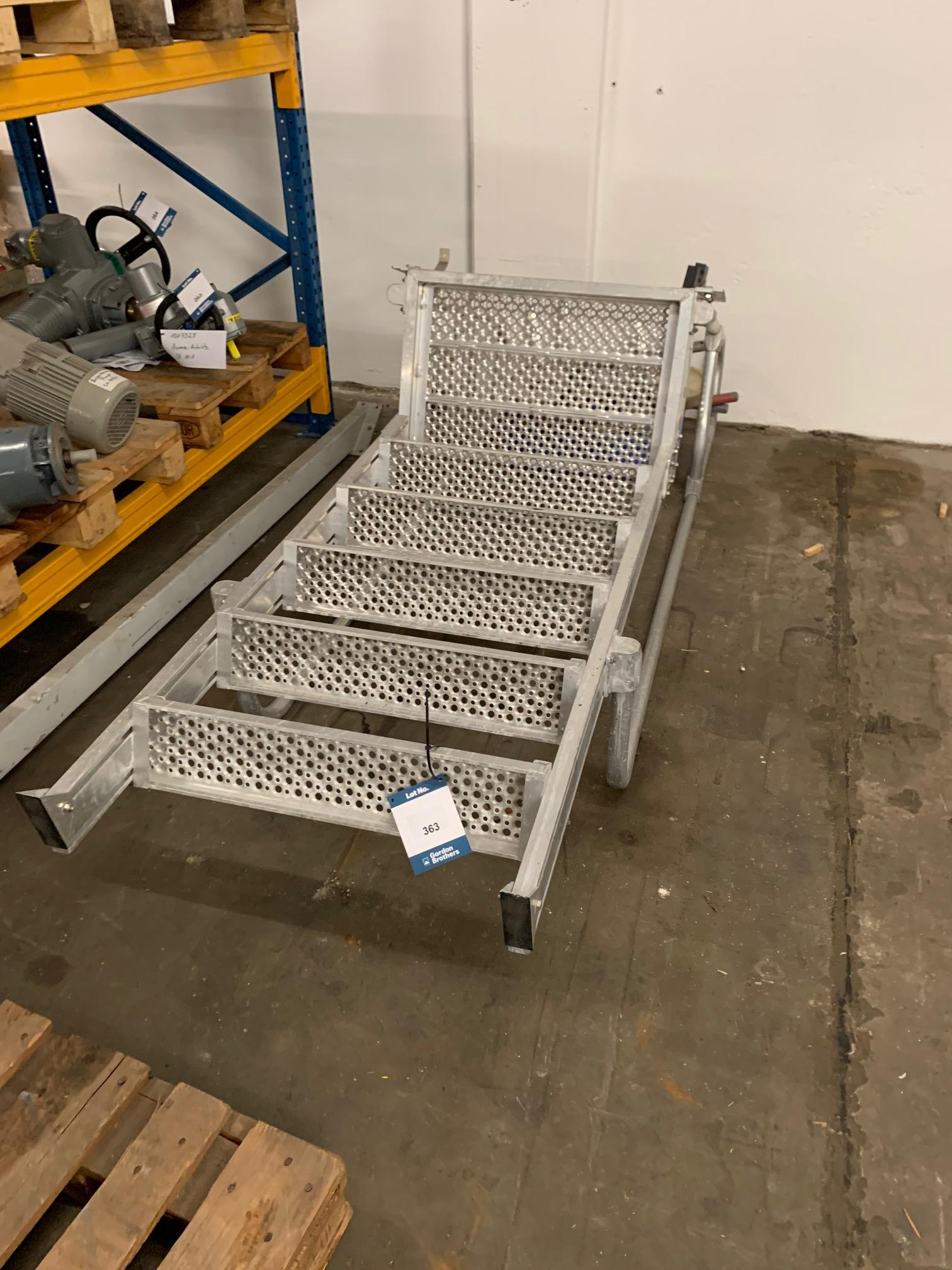 Lot 363 - 1 x Aluminum ladder incl. box with 4 wheels.