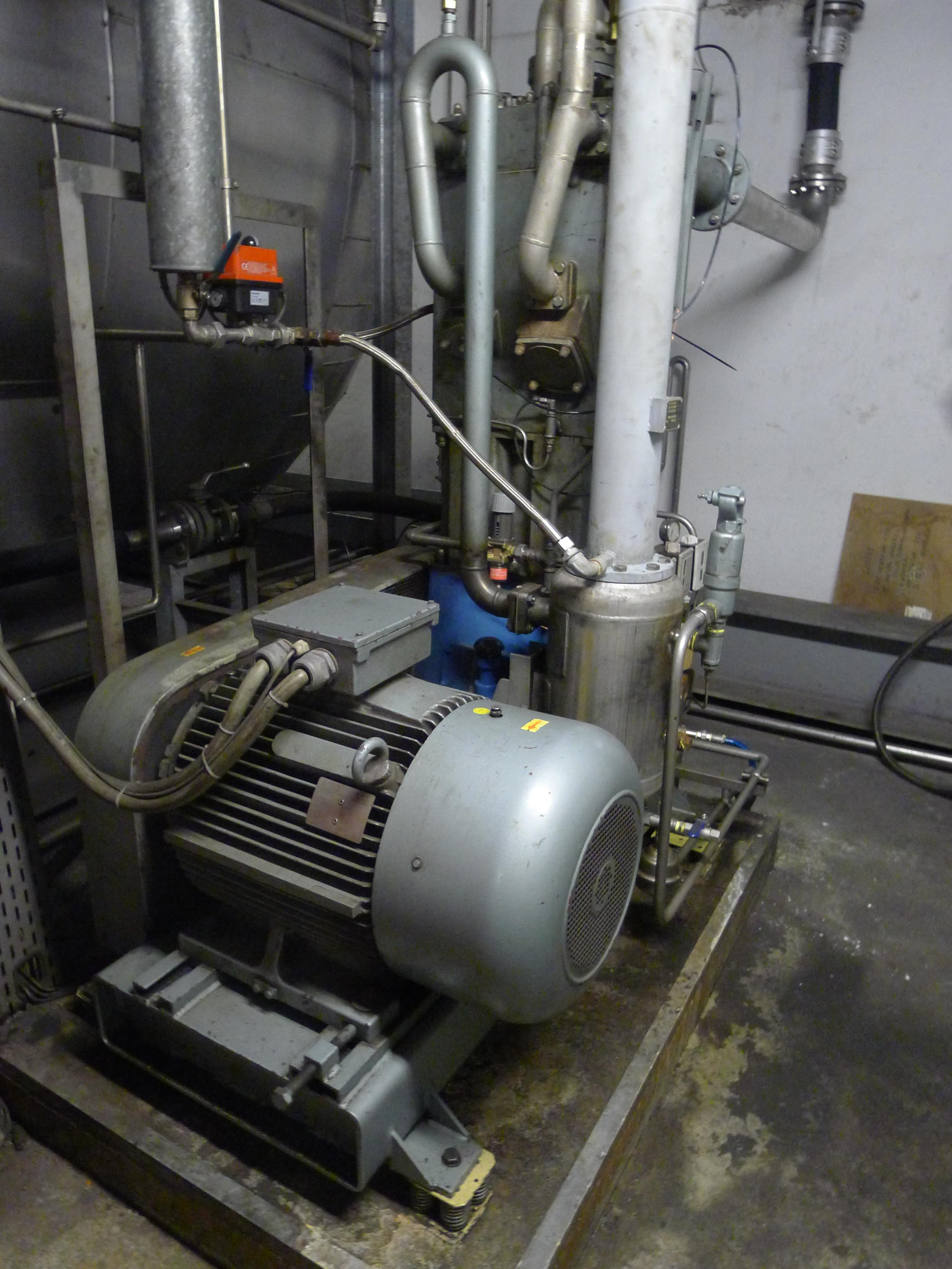 Lot 322 - Josef Mehrer Type TZW-70 Two Stage water Cooled Compressor S/N 477 (Dismantling and Loading Fee: €