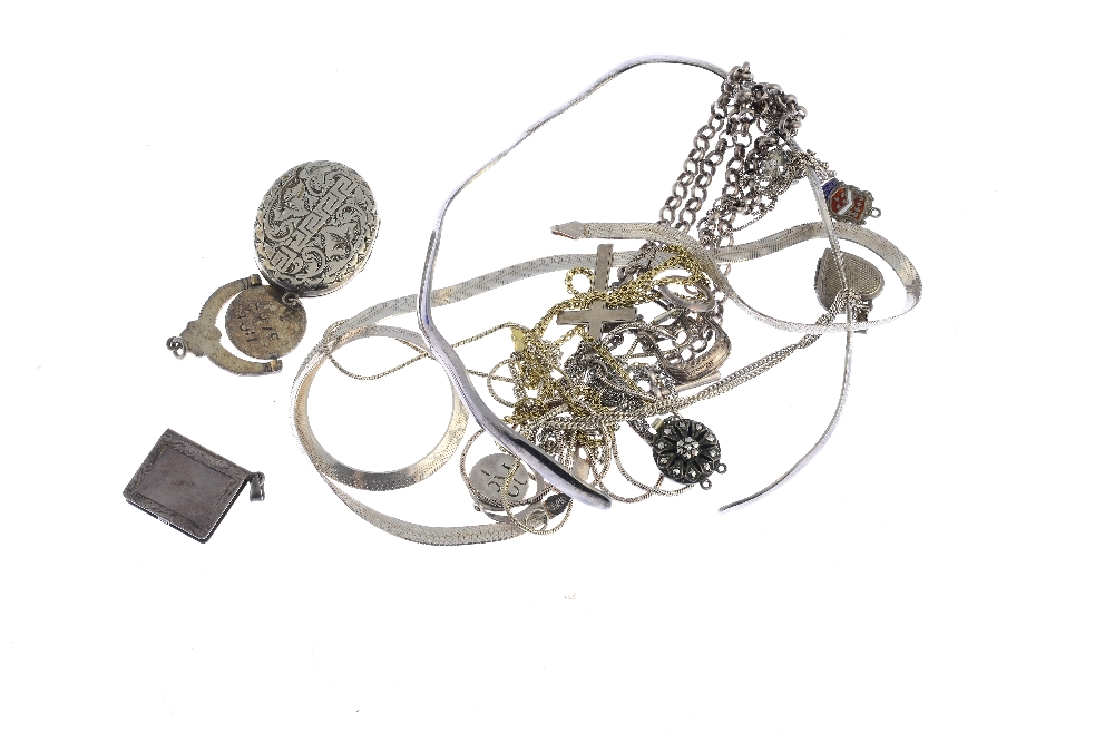Lot 38 - A selection of silver and white metal jewellery. To include an enamel locket of heart shape