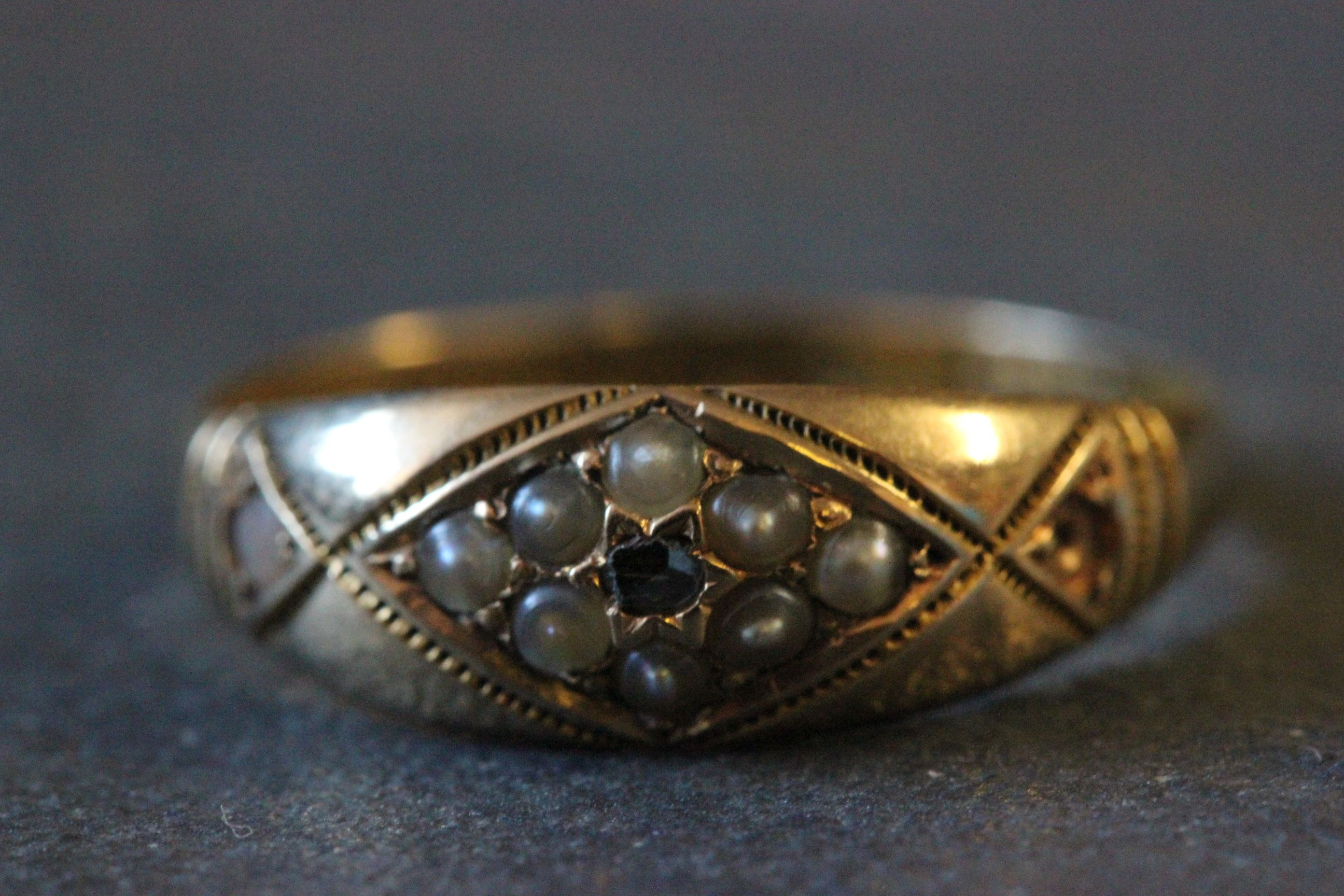 Lot 18 - 15ct Gold, seed pearl & diamond ring