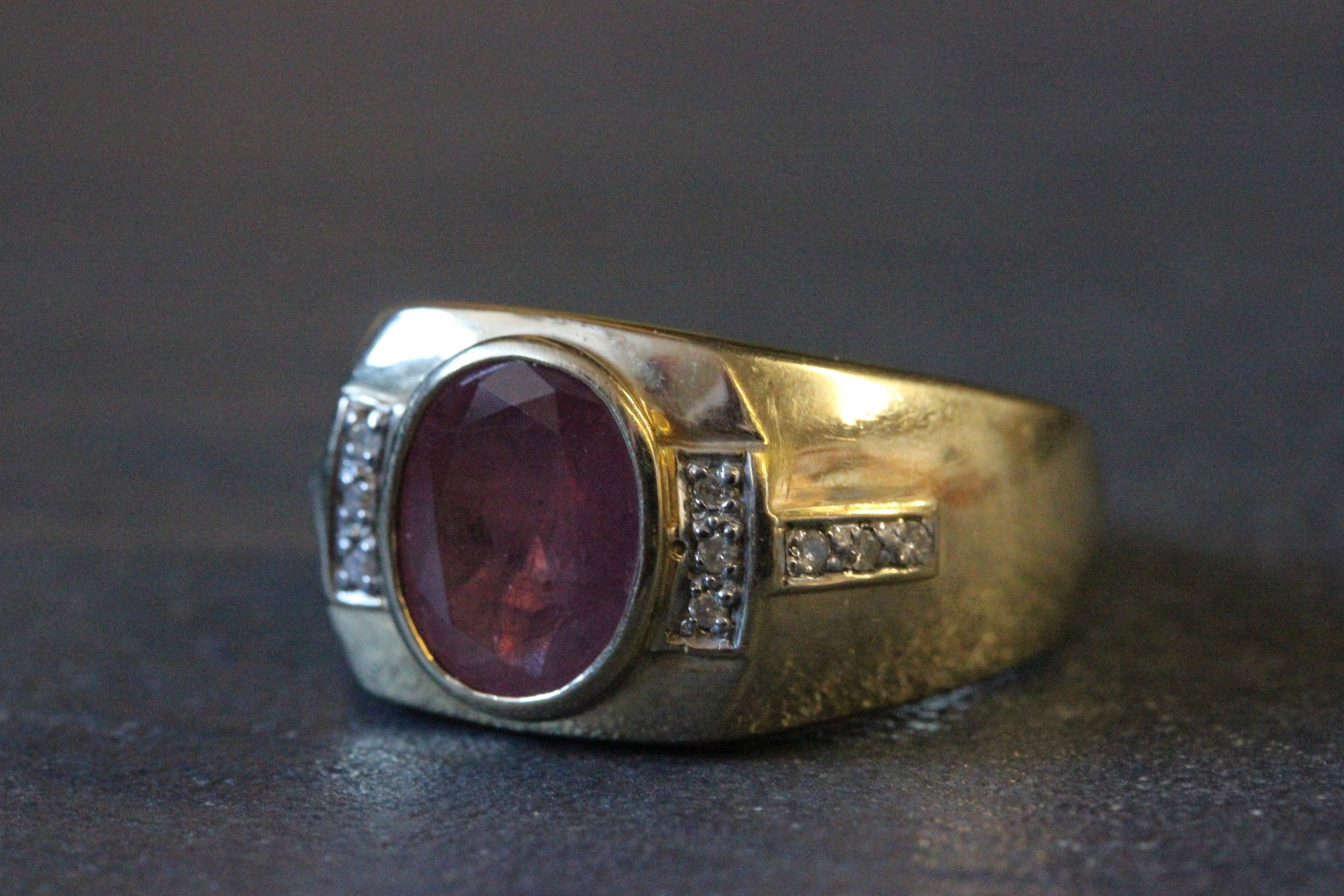 Lot 26 - 9ct Gold Gents signet ring with 4ct ruby & diamonds