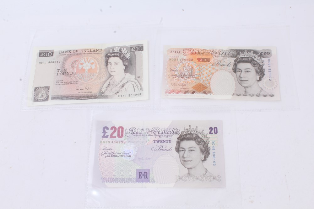 Lot 60 - G.B. banknotes - brown £10 notes Gill. Portrait issue (March 1988). Prefix HW41. A.