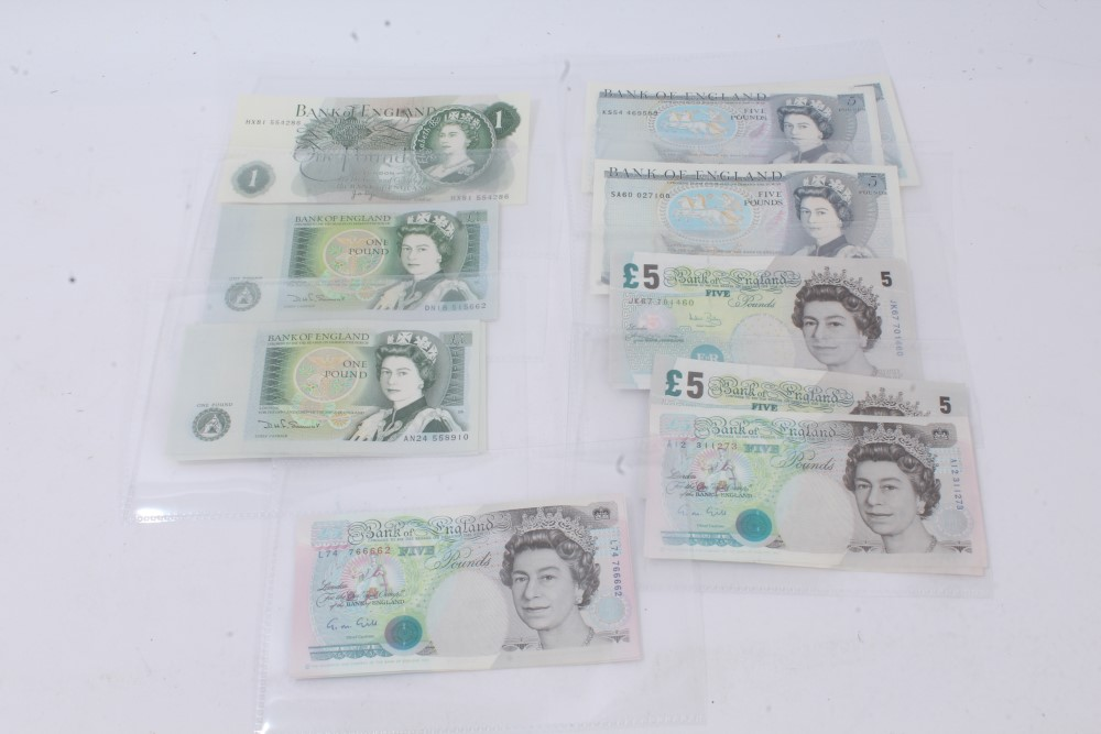 Lot 59 - G.B. banknotes - green £1 notes Page. Portrait issue (1970). Prefix HX81. GEF, Somerset.