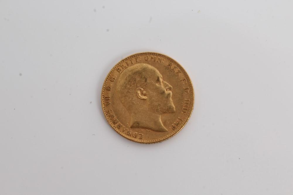Lot 4 - G.B. gold Sovereign - Edward VII 1904.