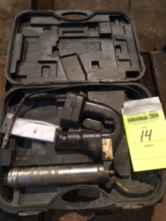 OEM 87106, 18v grease gun. No charger. 1 battery, serial 060310