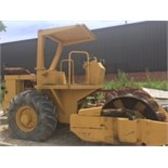 Raygo 4200 series hydraulic vibratory Sheepsfoot Roller. Showing 777 hours, Goodyear 23.1-26...
