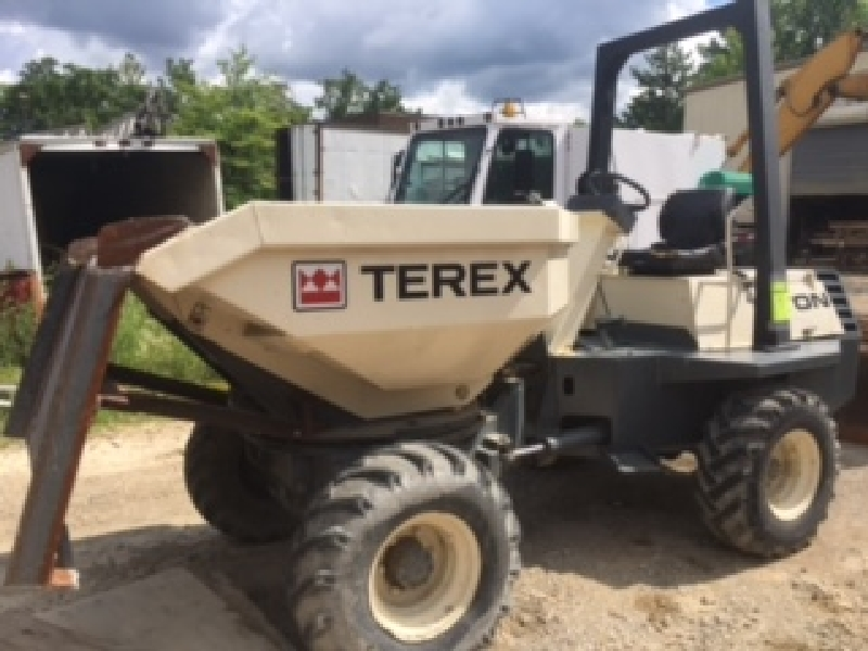 Terex Benford 3 Ton hydraulic concrete buggy. Diesel,Model # 30002DSP Z2952, Vin # SLBDNN0ZEY01AS011