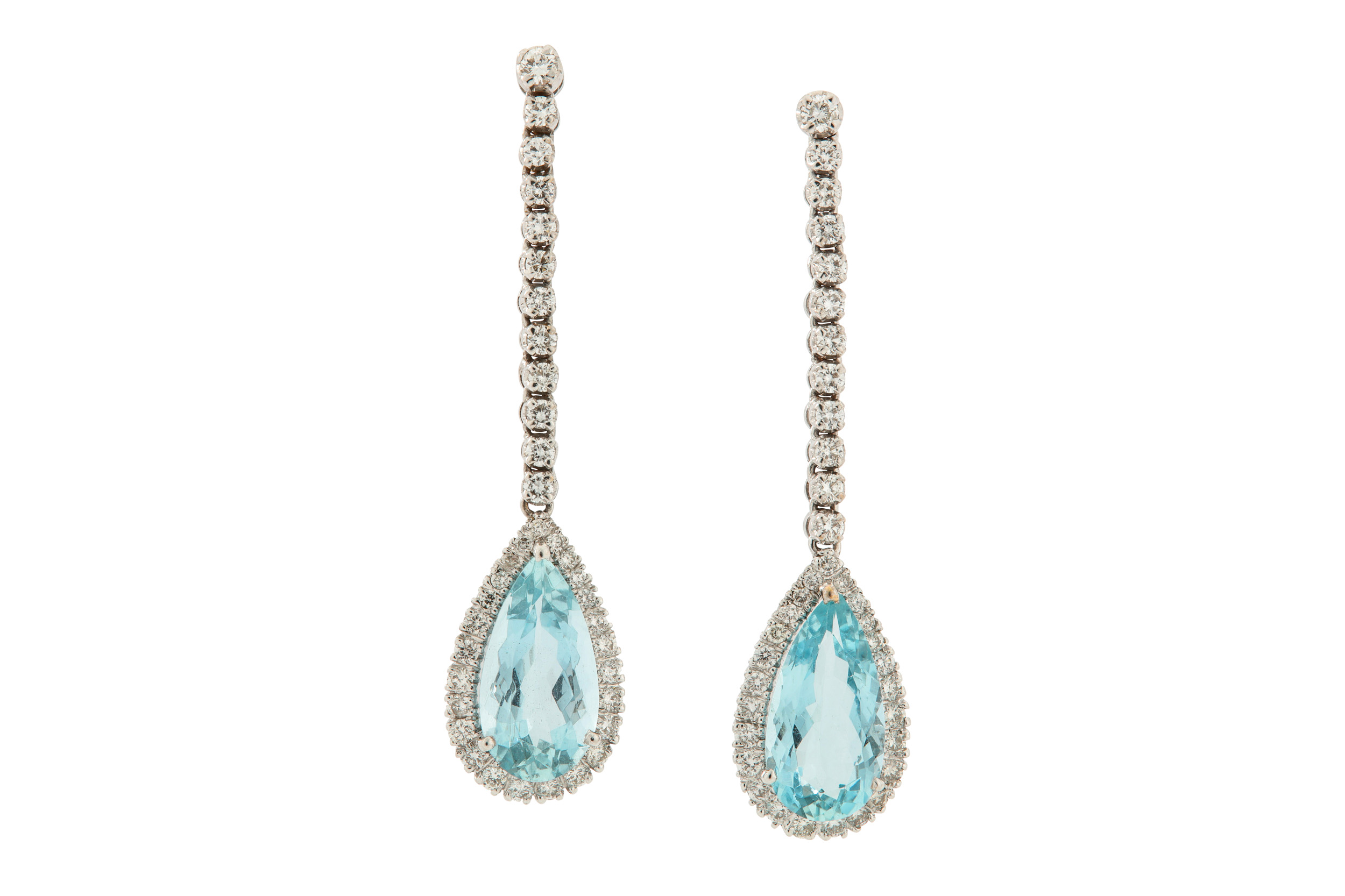 Lot 27 - A pair of aquamarine and diamond pendent earrings