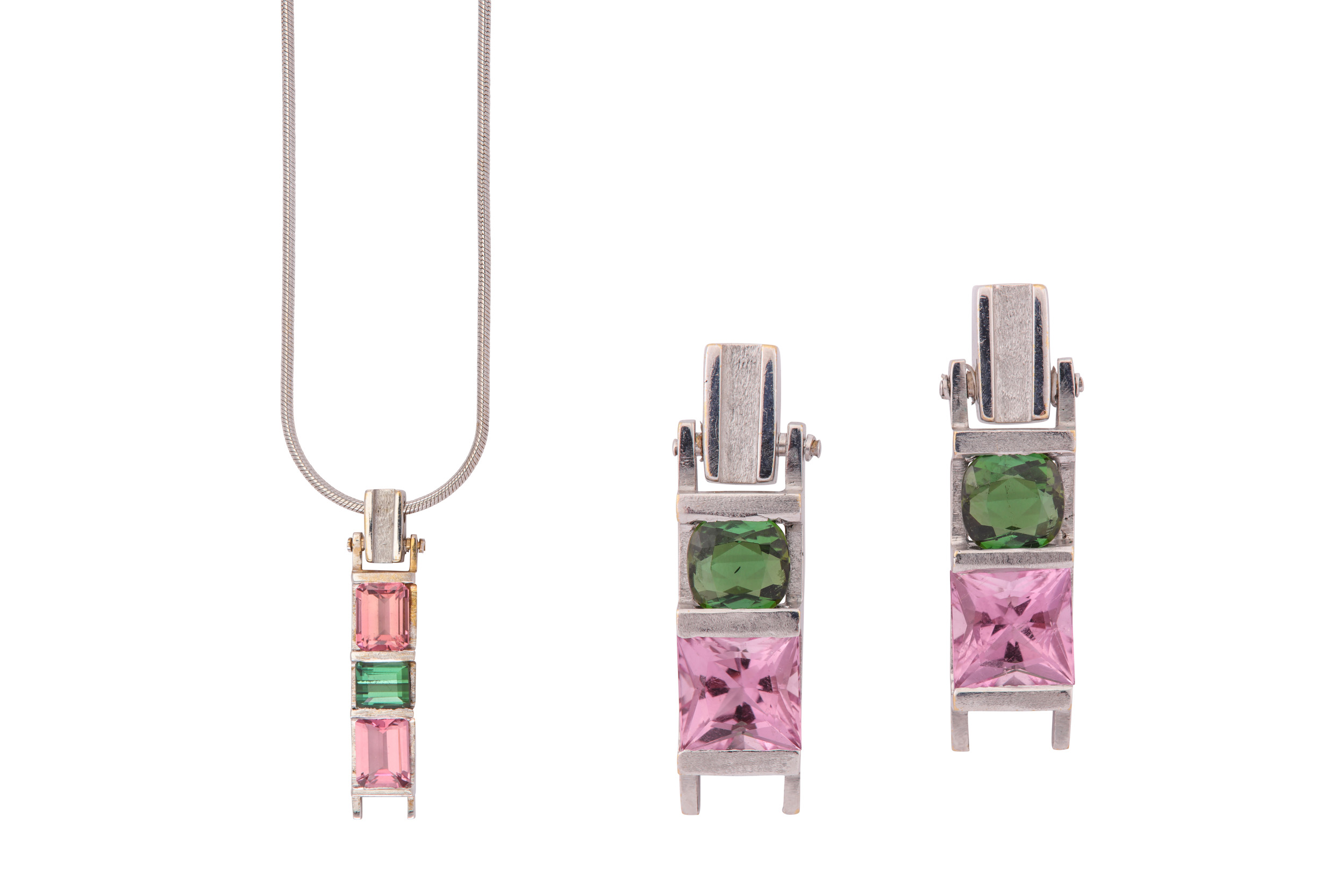 Lot 51 - A tourmaline pendant necklace and earring suite, by Kerry Richardson