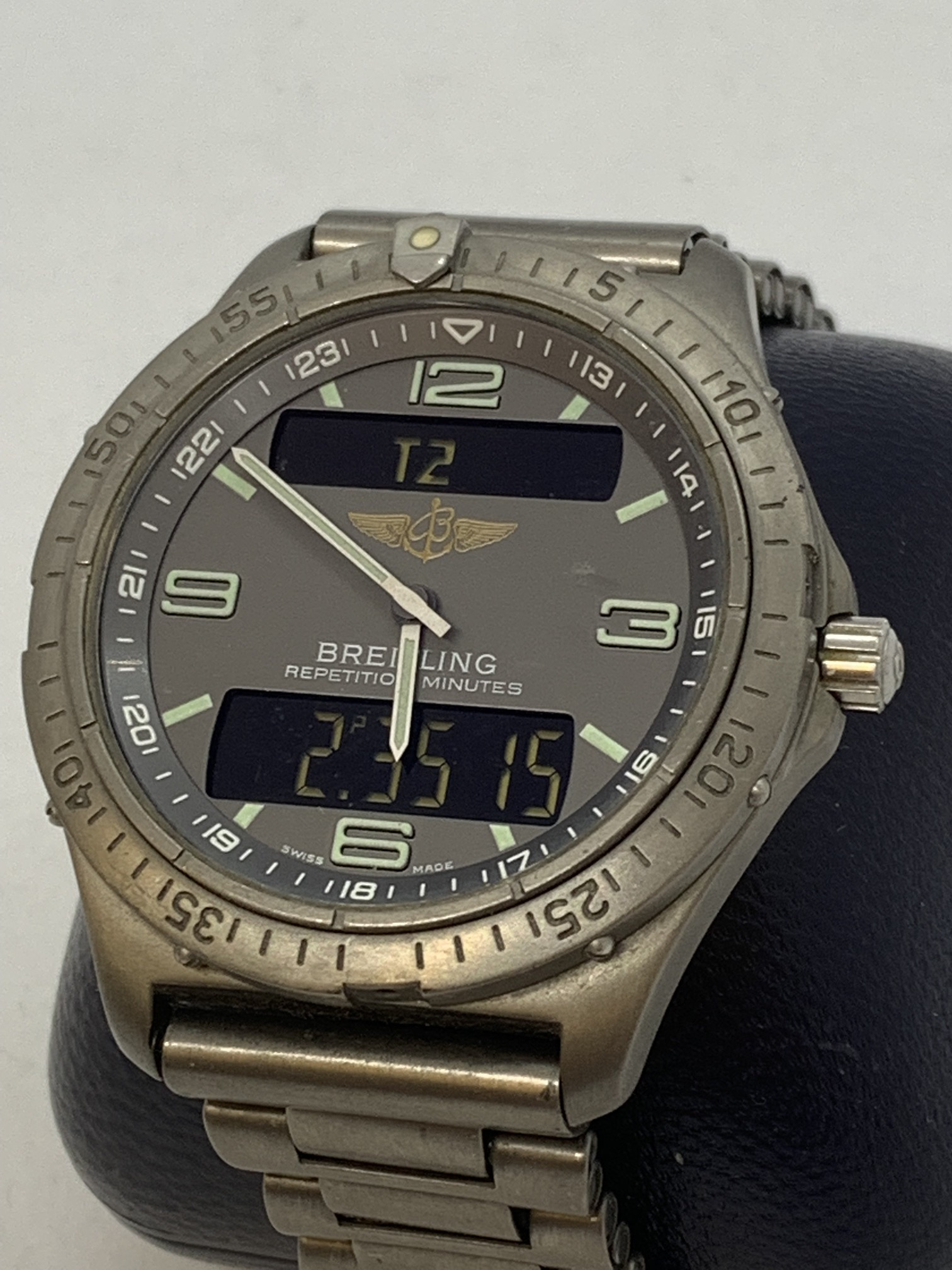 BREITLING TITANIUM WATCH A/F - Image 5 of 15