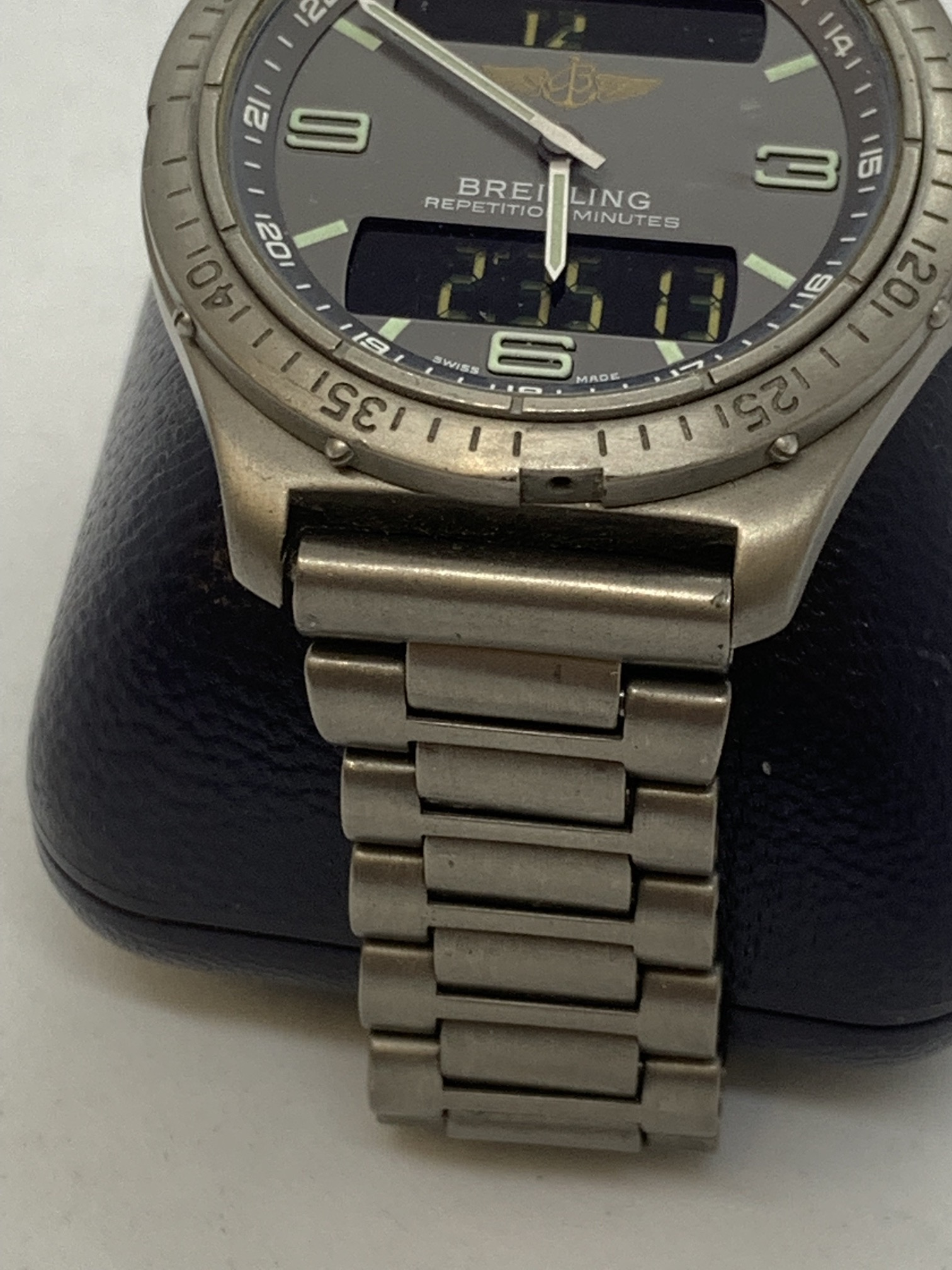 BREITLING TITANIUM WATCH A/F - Image 4 of 15