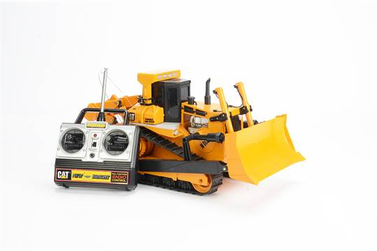 New Bright Caterpillar D10 Bulldozer, with 27MHz remote