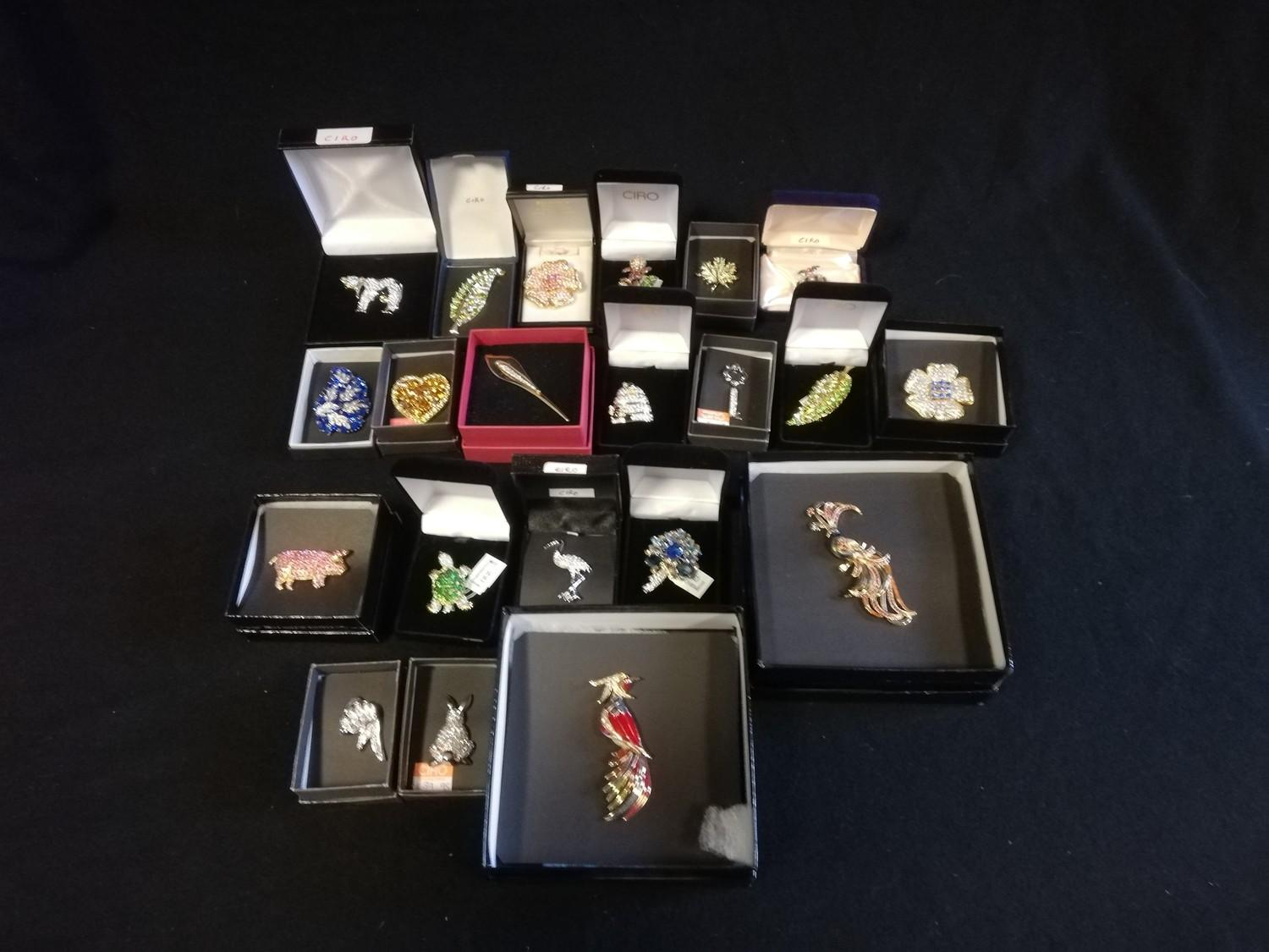 Collection of Ciro brooches inc pig, beehive with bees, cow, birds & turtle + 2 empty bags