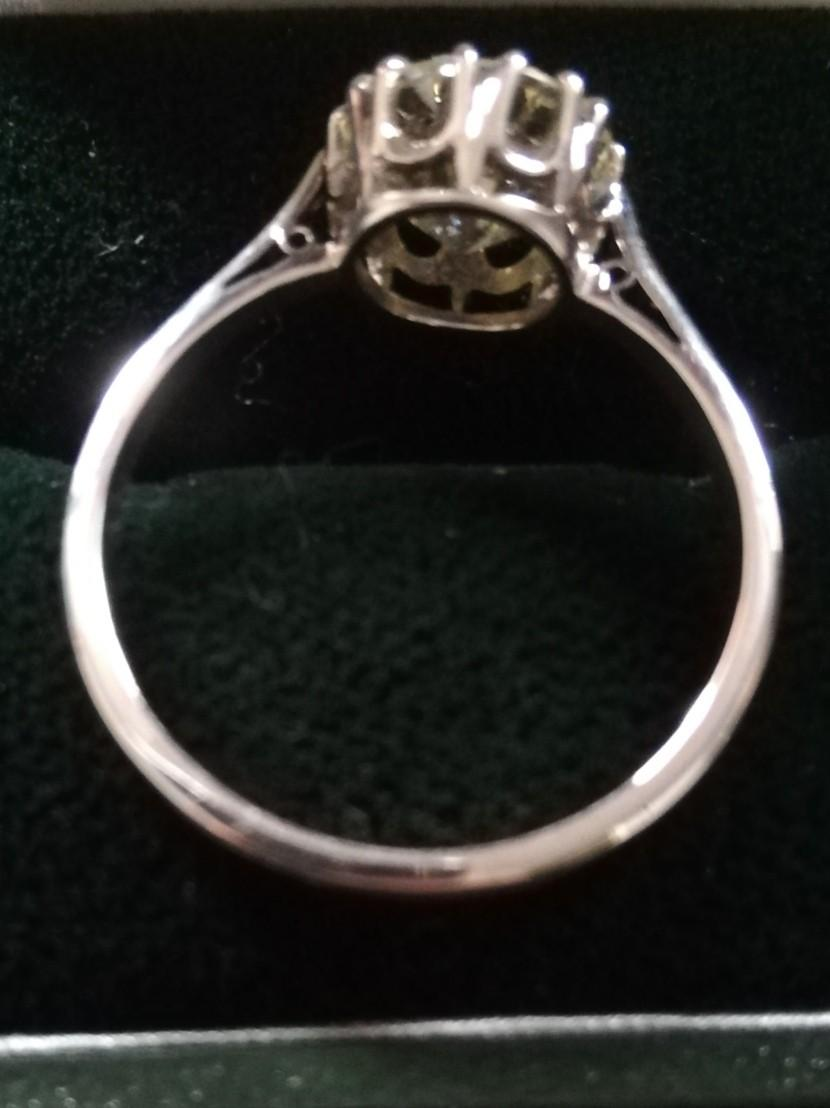 Diamond solitaire ring 2.37ct - Image 2 of 4