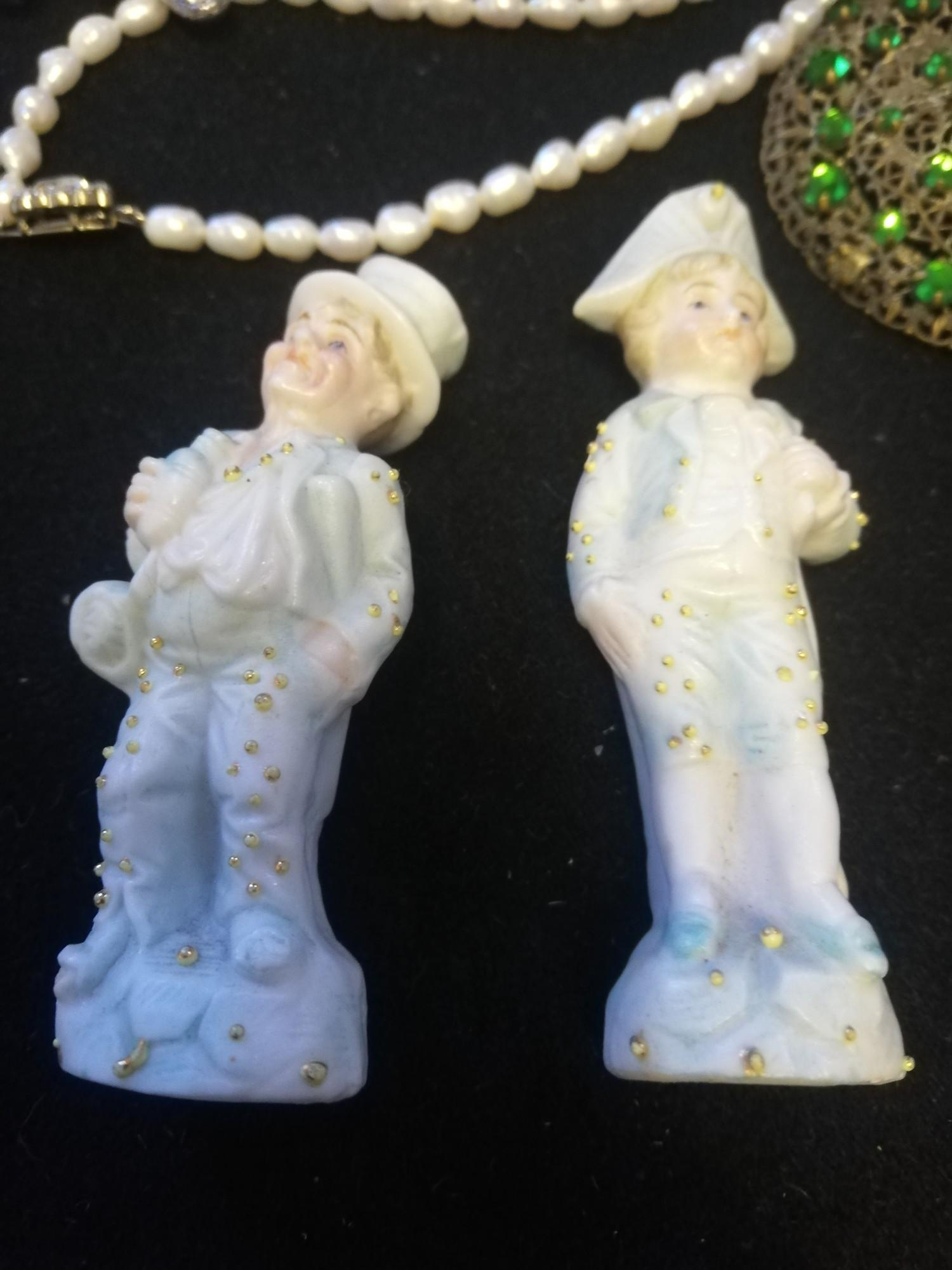 Vintage Jewellery t/w 2 small china figures - Image 4 of 4