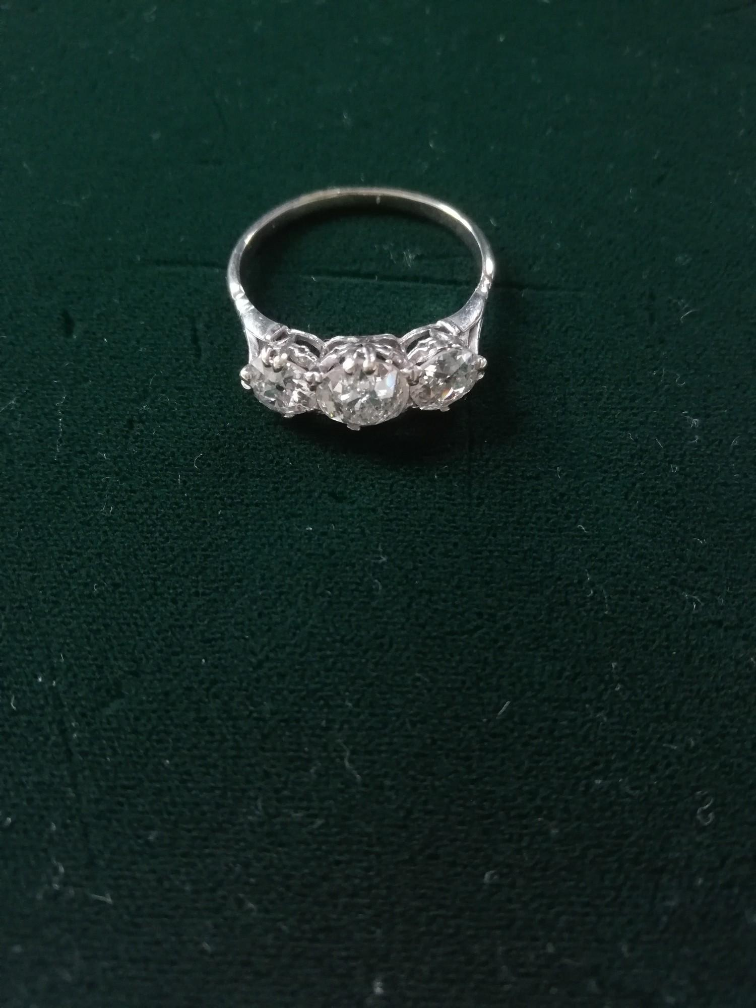 Antique 3 stone Diamond white metal ring 4ct in total - Image 2 of 2