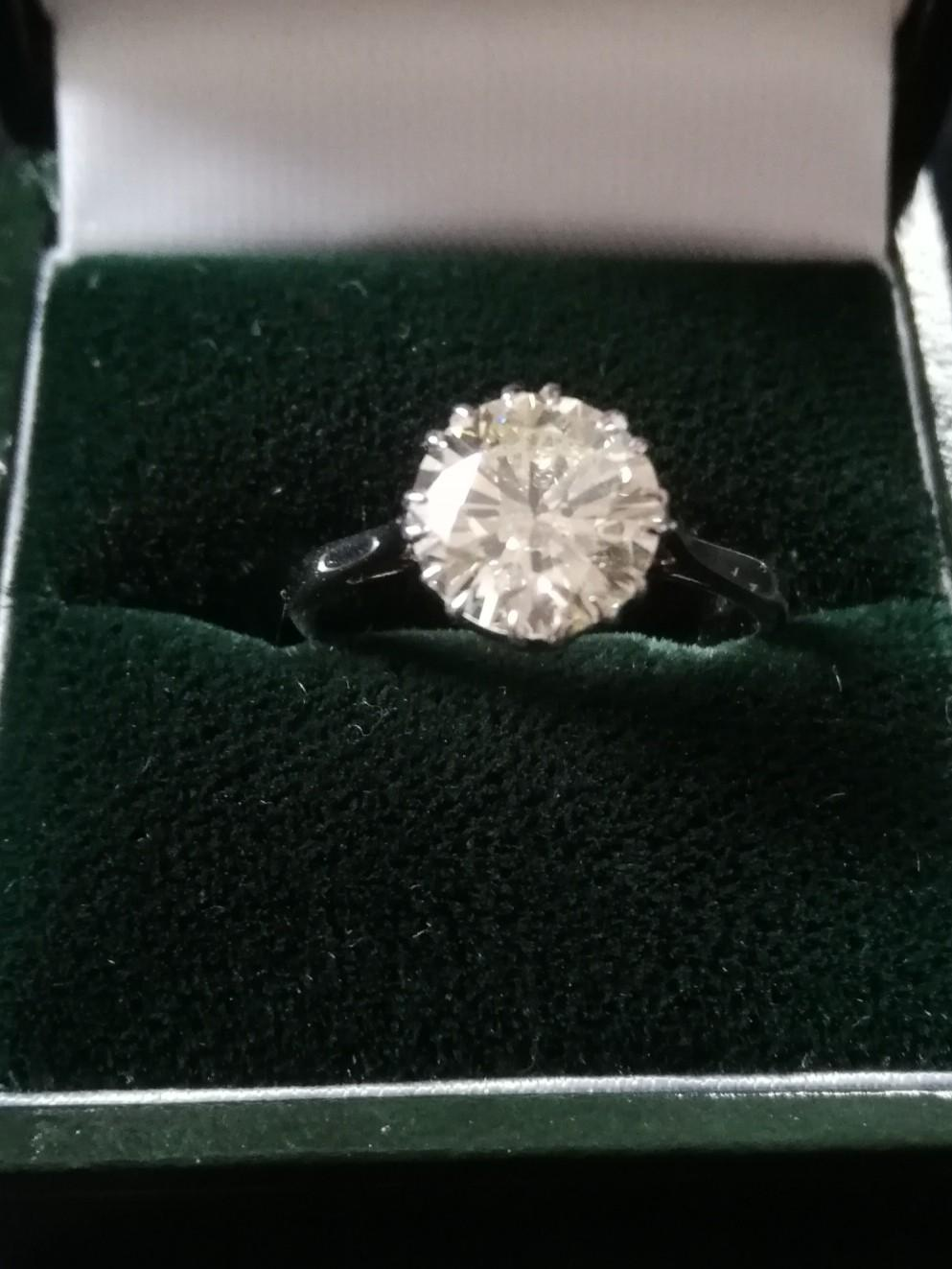 Diamond solitaire ring 2.37ct - Image 4 of 4