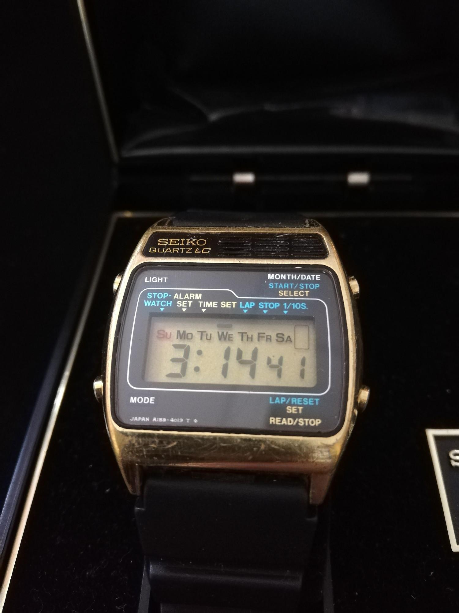 Seiko quartz LC wristwatch on rubber strap in original box - Image 2 of 3