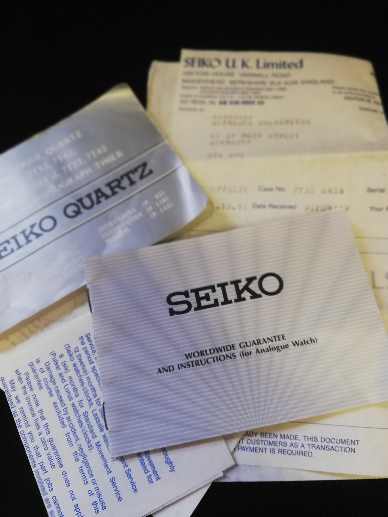 Seiko quatz alarm chronograph watch with papers and booklet 1993