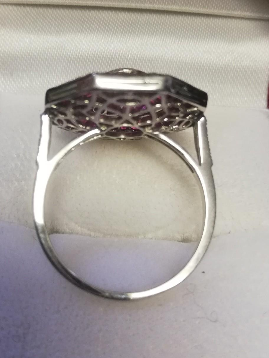 Fine quality octagonal shaped platinum ruby & diamond dress ring set with a central old cut diamond - Image 4 of 4
