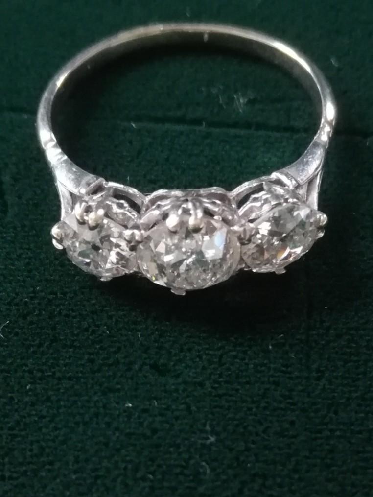 Antique 3 stone Diamond white metal ring 4ct in total