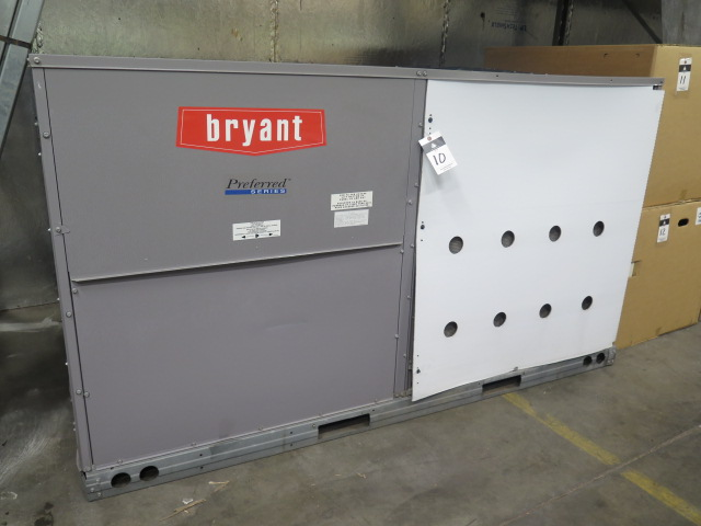 "Lot 10 - Bryant ""Preferred Series"" 581JP08D125A2A0AAA 7.5 Ton Heat Pump, Natural Gas, 208/230V-3ph"