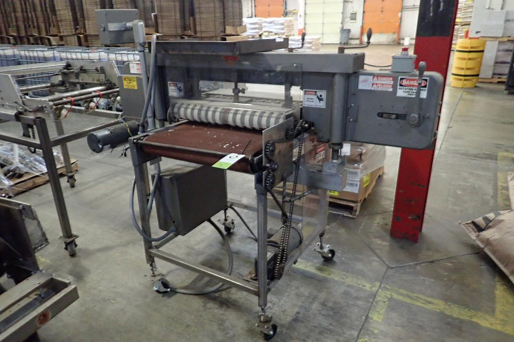 Lot 16 - AMF bagel slicer, remanufactured by Topaz Mondial in. 2007, job no 2647, mid steel frame, on wheels