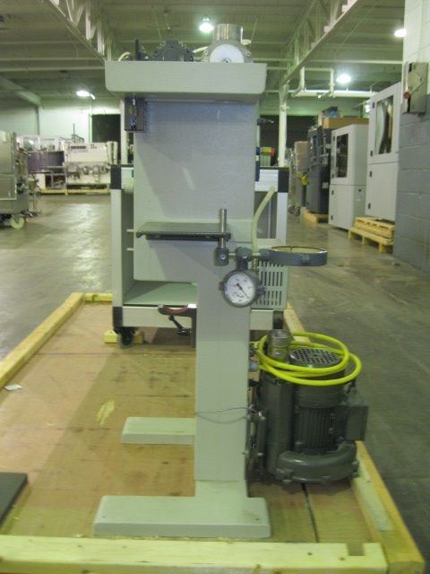 Buchi lab spray dryer, glass chamber, cyclone and dust collector, with nozzle spray atomizer - Image 3 of 12