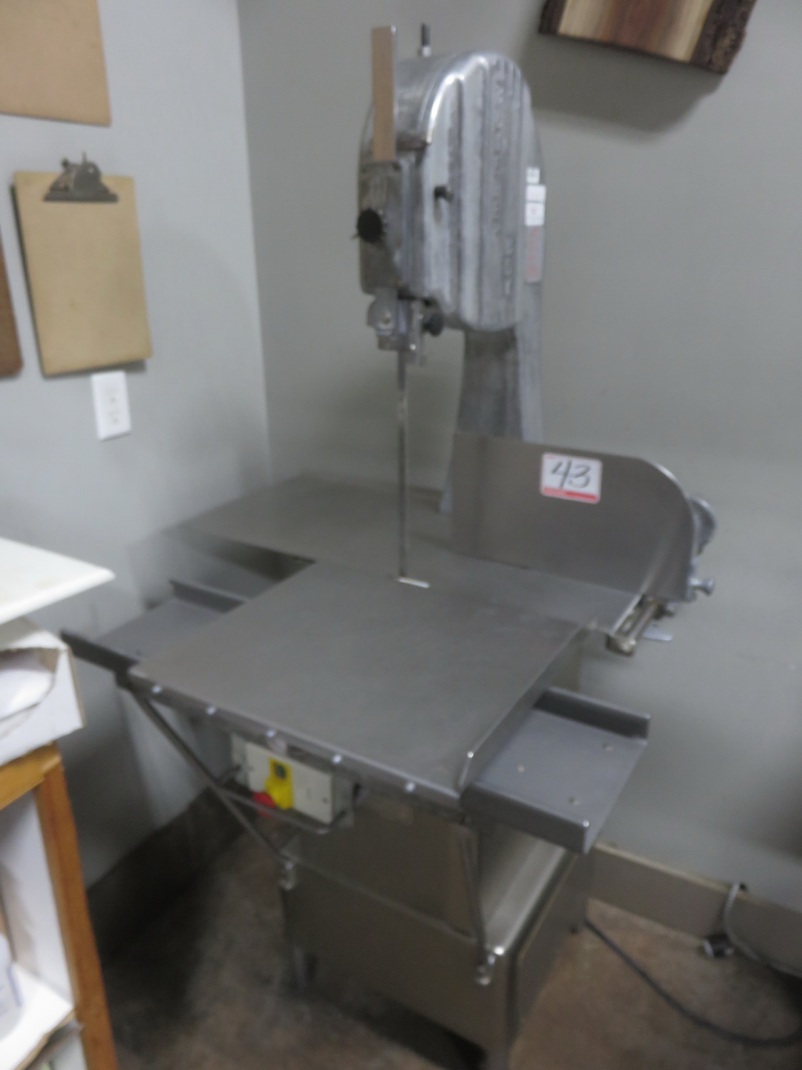 "BUTCHER BOY B12F APPROX. 11.5"" THROAT & 12""H CUT STAINLESS STEEL MEAT & BONE CUTTING BAND SAW ( - Image 2 of 2"