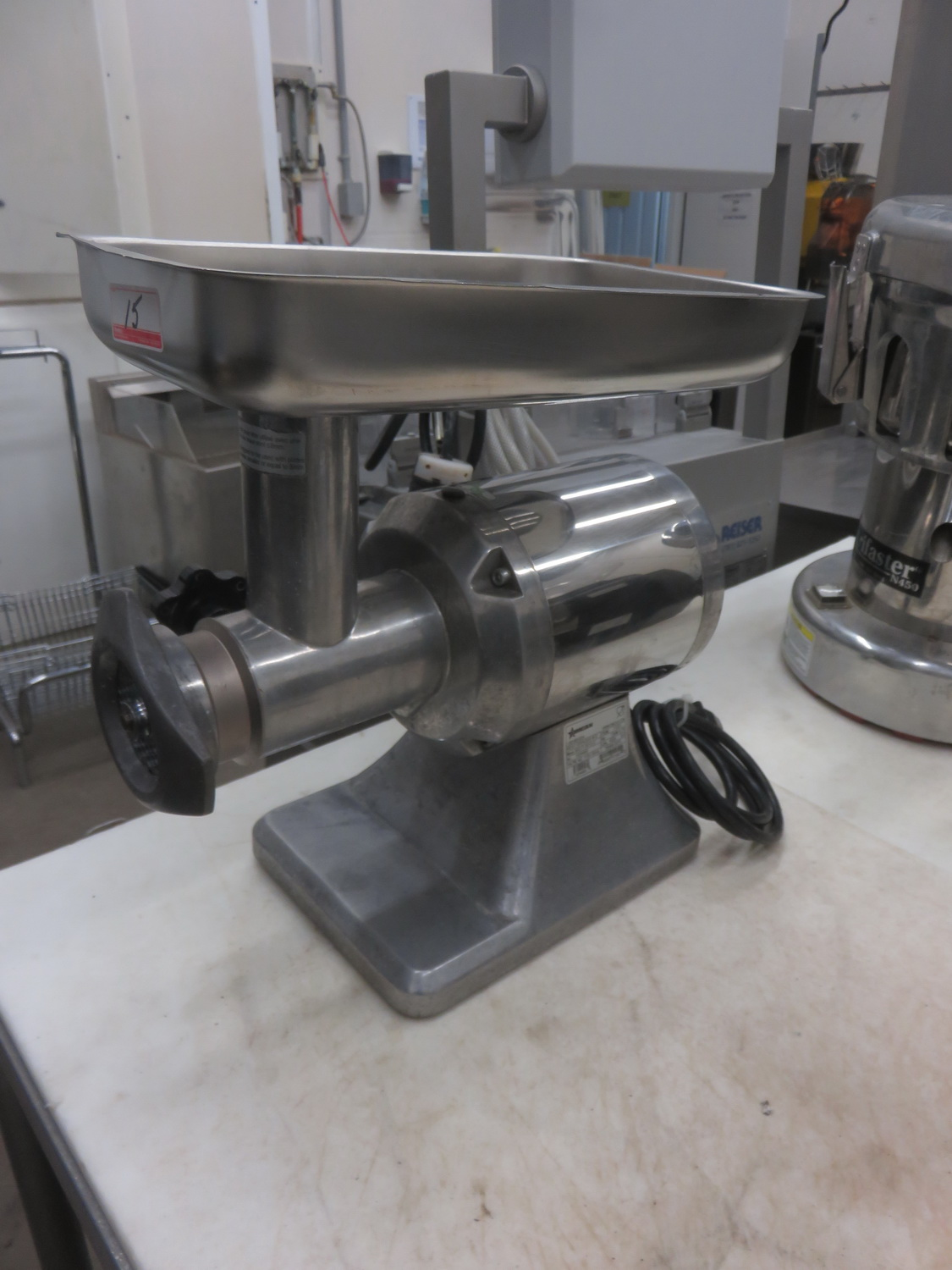 OMCAN MG-IT-0012-C TABLE TOP MEAT GRINDER W/ 1HP MOTOR - Image 2 of 2