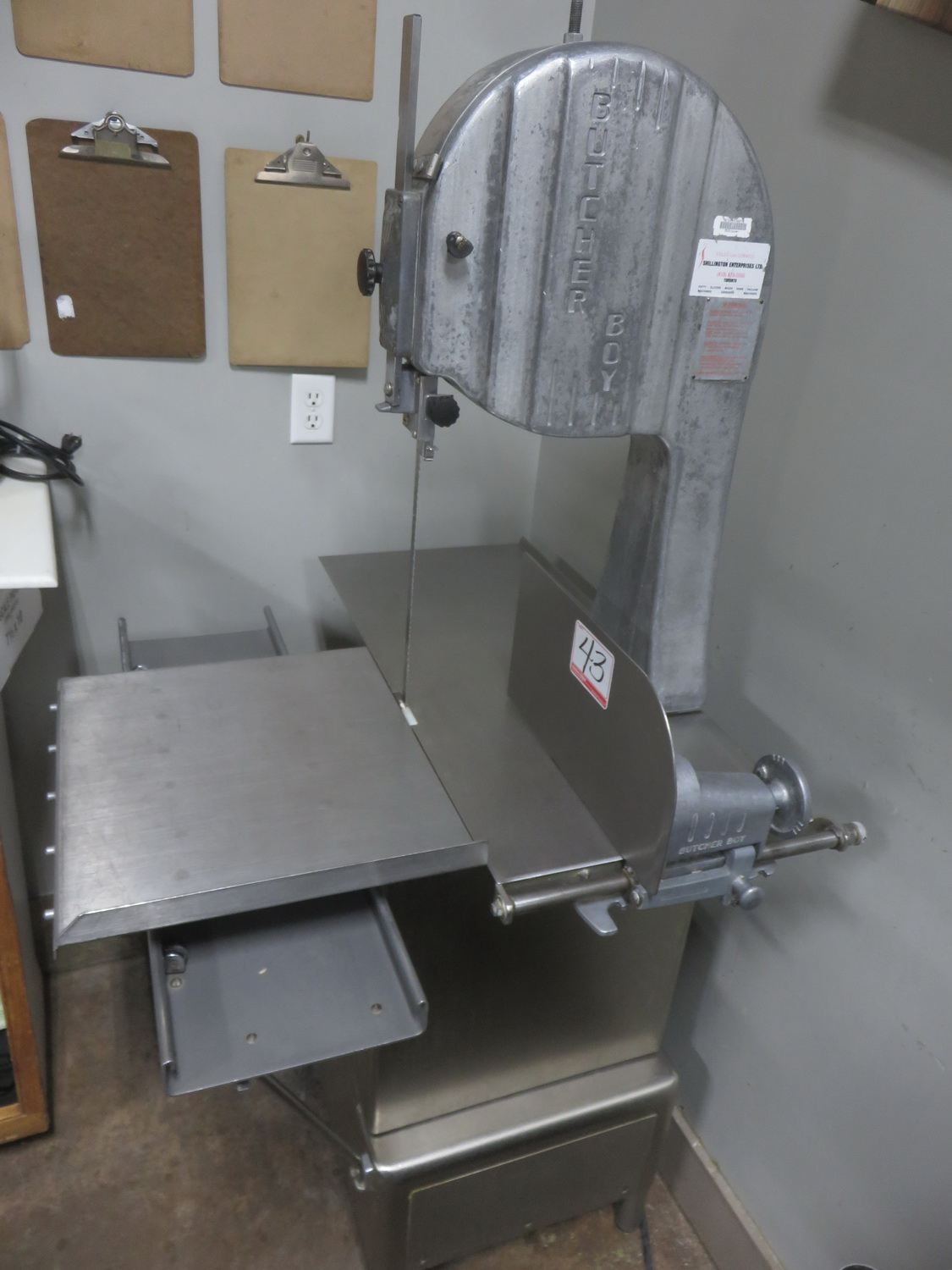 "BUTCHER BOY B12F APPROX. 11.5"" THROAT & 12""H CUT STAINLESS STEEL MEAT & BONE CUTTING BAND SAW ("