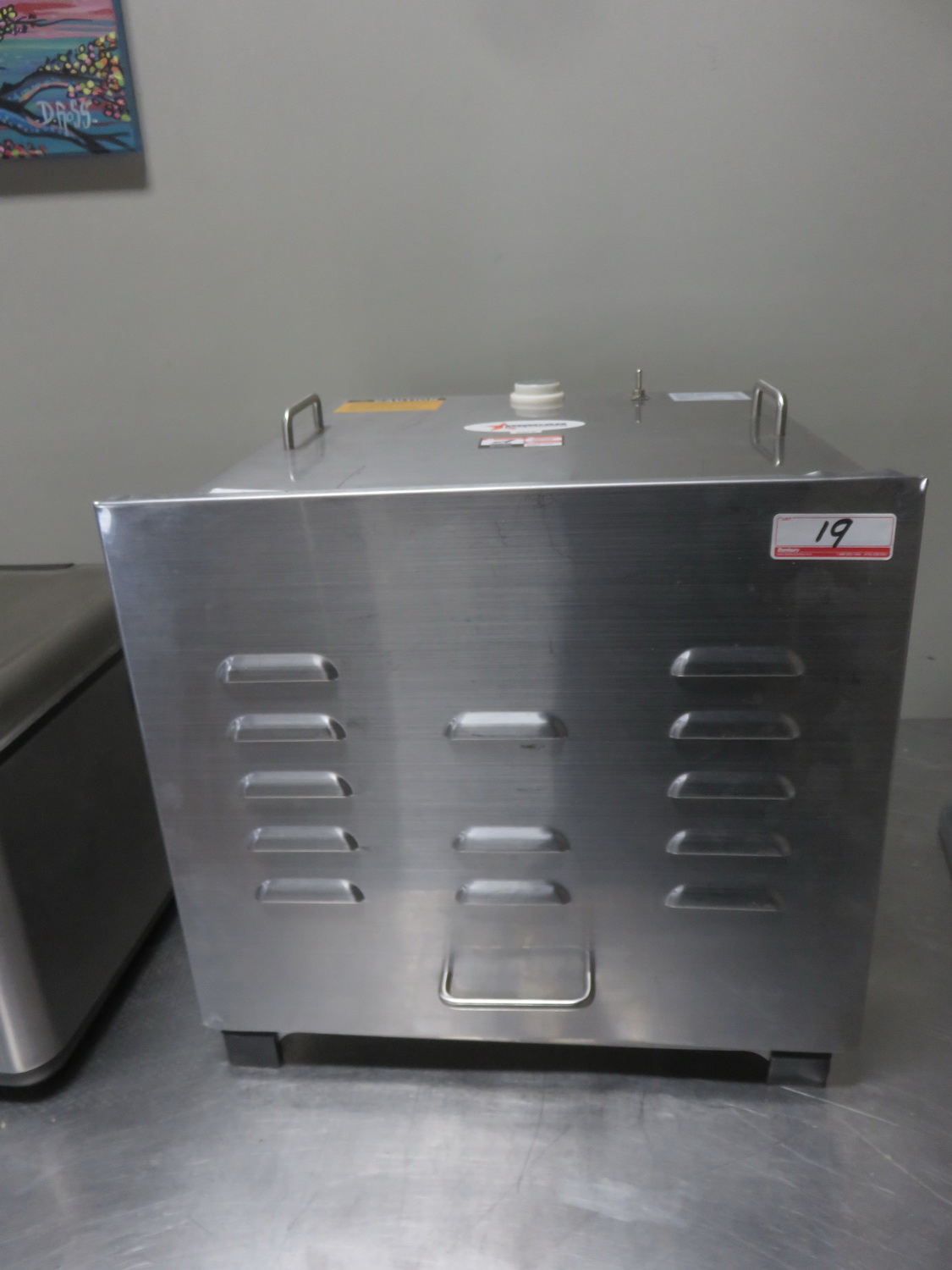 OMCAN 10924 STAINLESS FOOD DEHYDRTOR (110V) W/ 4-SHELVES