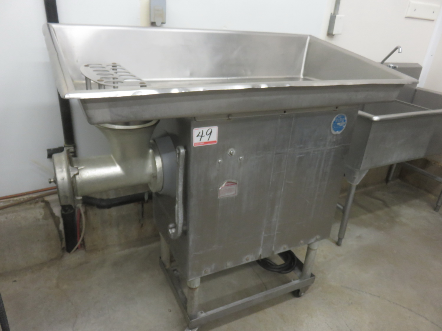 BIRO 7552 STAINLESS STEEL PAN FEED MEAT GRINDER (3-PHASE 208V)