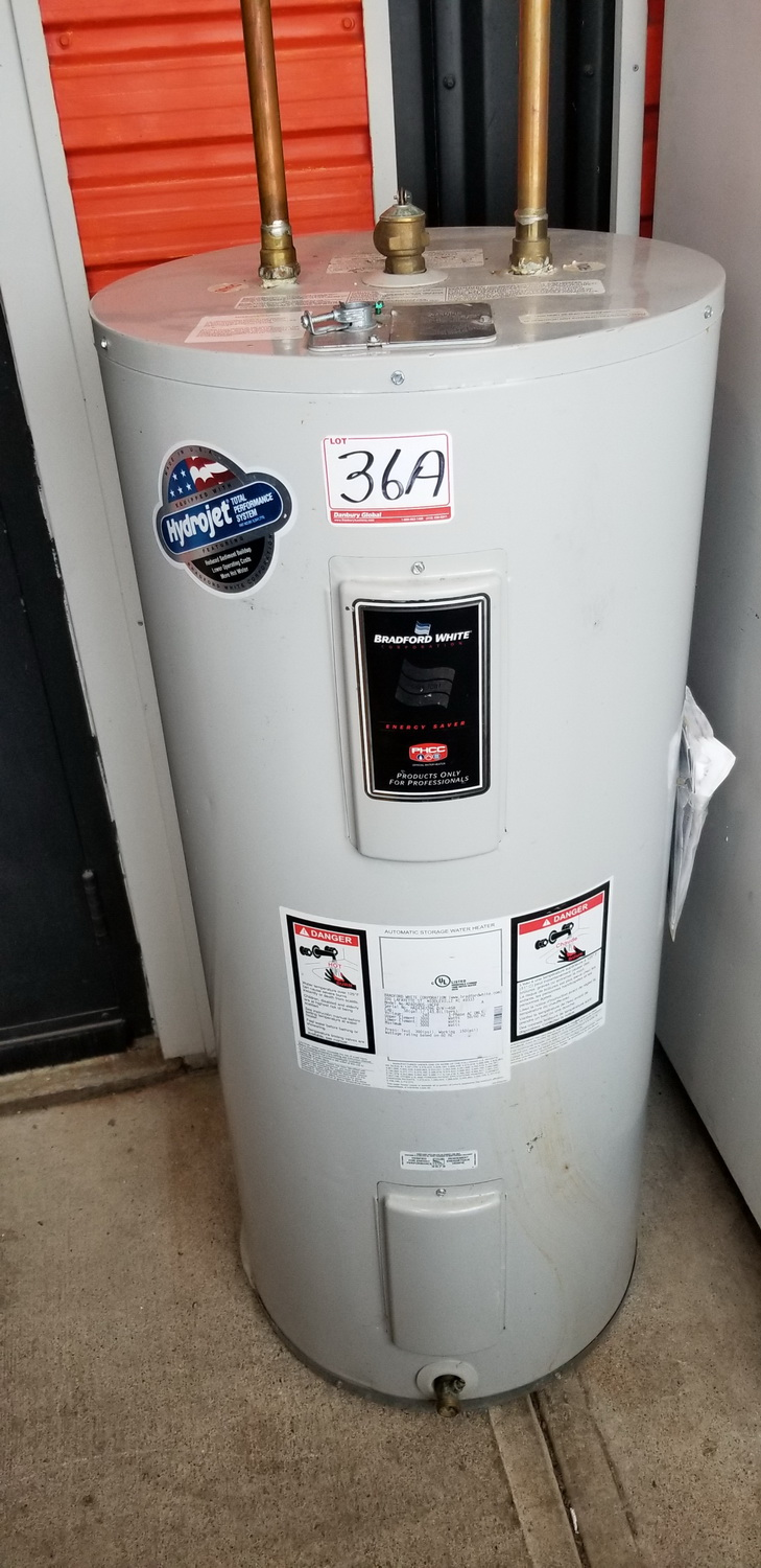 BRADFORD WHITE CORP M240S8DS-1NCPP HOT WATER HEATER (DISCONNECTED)
