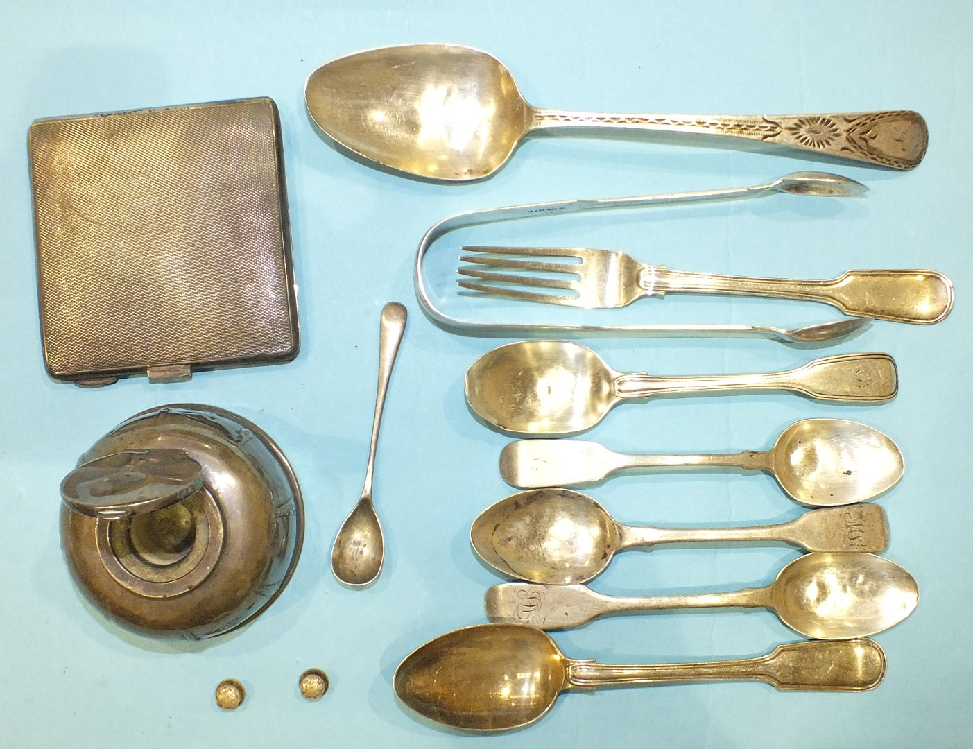 Lot 215 - A silver inkwell, Chester 1923, an engine turned silver cigarette case and various small silver