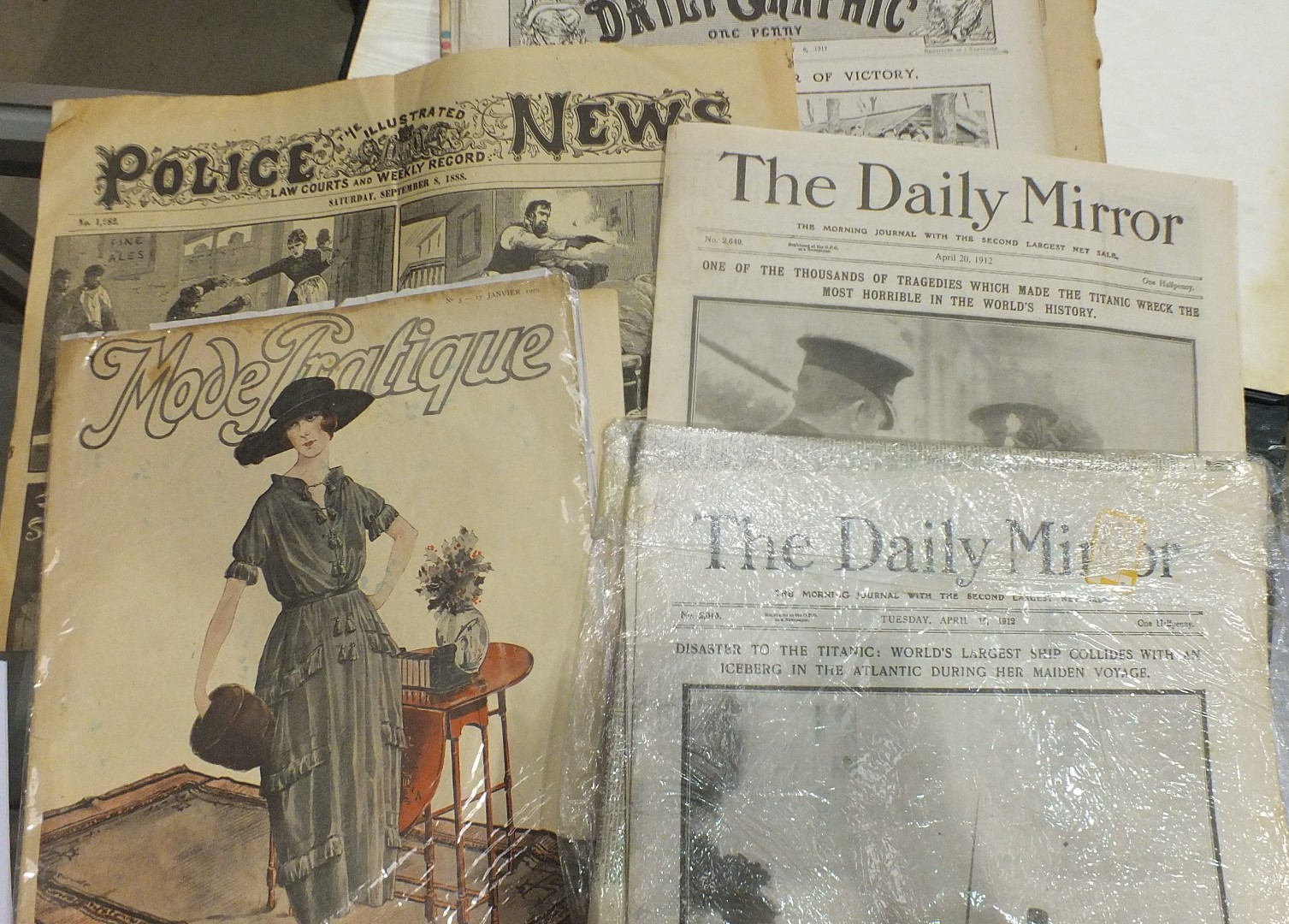 Lot 50 - A collection of historic newspapers, mainly First and Second World wars, and other items.