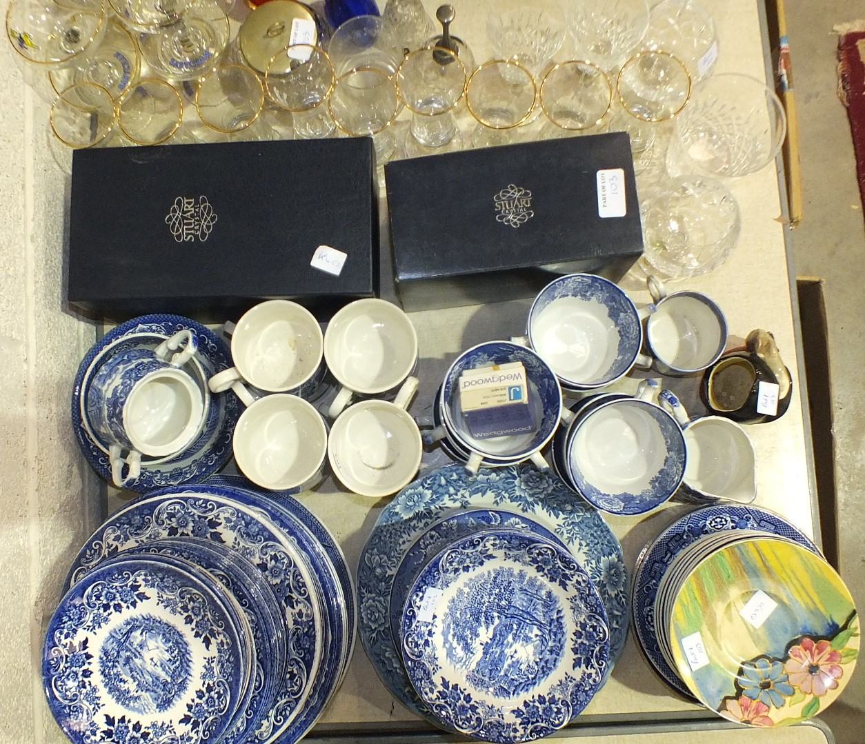 Lot 103 - A collection of Broadhurst Ironstone English Scene blue and white tea and dinnerware and other
