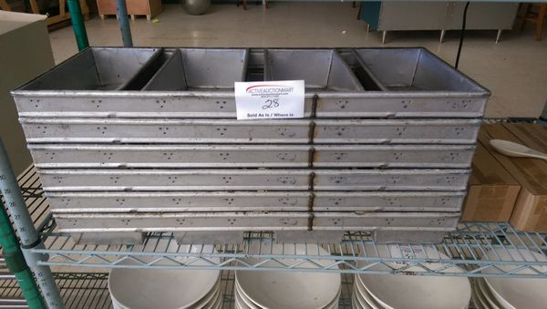 Lot 28 - 6 - 4 Loaf Bread Pans